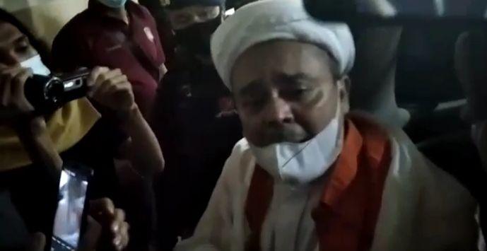 Kabar Terbaru dari Aziz Yanuar, Malam-malam Habib Rizieq Didatangi Sekumpulan Jaksa Dipaksa Tanda Tangan