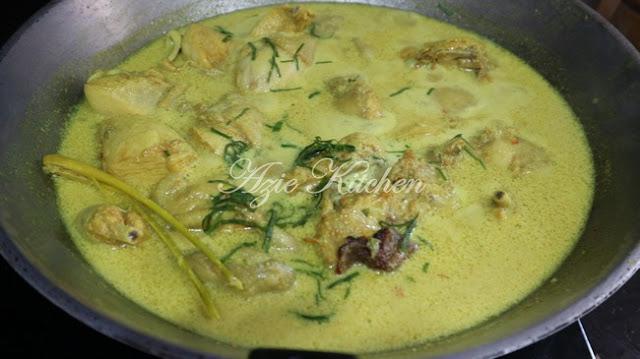 Ayam Masak Lemak Cili Api Azie Kitchen