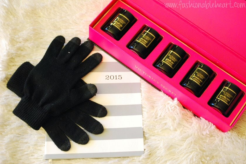 texting gloves christmas gifts planner agenda victoria's secret candles vs