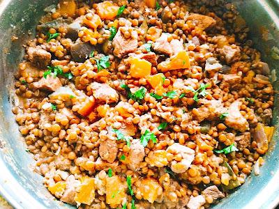 Рагу из свинины с овощами и чечевицей
