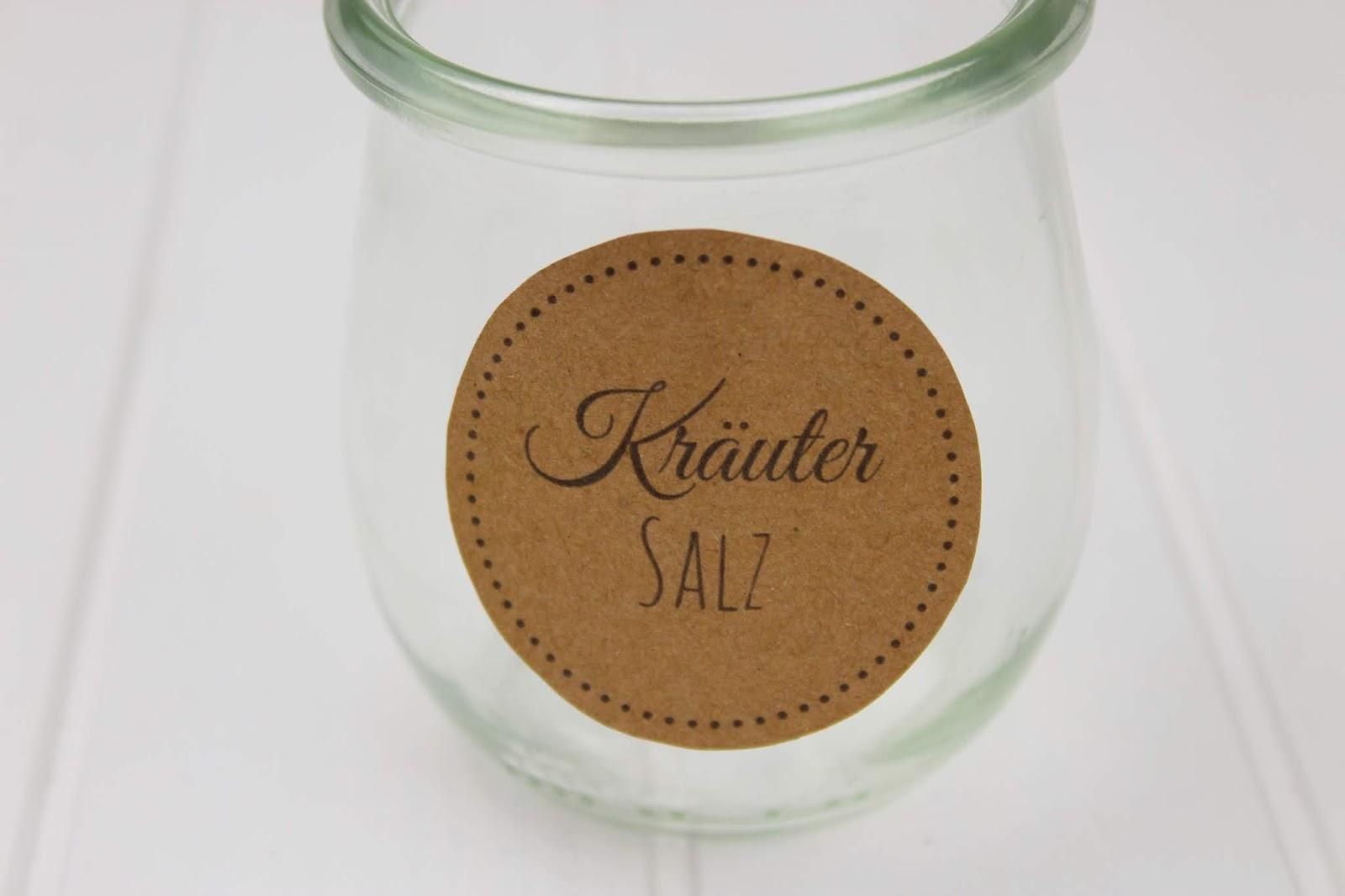 Rezept - Kräutersalz mit Basilikum, Rosmarin und Thymian ganz einfach selber machen - super Geschenkidee