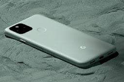 Google Patenkan Desain Kamera Selfie Timbul-Tenggelam di Bawah Layar