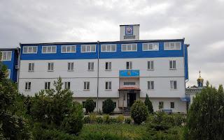 Мелітополь. Монастир Сави Освяченого. Готель, недільна школа