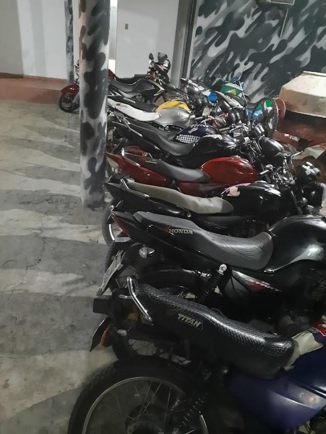 Valença do Piauí: Em combate a desordem, Força Tática apreende motos com cano kadron; homem portando maconha é preso.