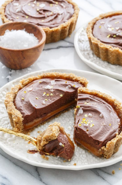 Salted Dark Chocolate and Dulce de Leche Tart