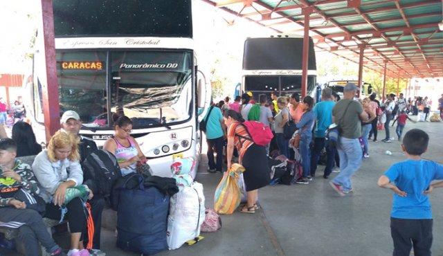 Venezolanos organizan excursiones para hacer sus compras en Cúcuta