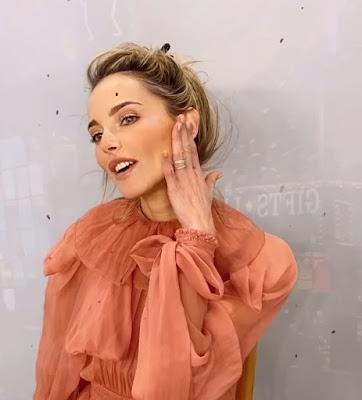Francesca Fialdini posa da modella
