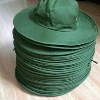 Các sản phẩm mũ nón nói chung hay nón kết nói riêng của Chúng tôi luôn đảm bảo mẫu mã đẹp, đường may tỉ mỉ, khéo léo và độ bền tốt được kiểm chứng qua thời gian, được sản xuất bằng nguồn nguyên, vật liệu có chất lượng cao như vải kaki (kaki samsung, kaki nhung, loại kaki cotton 100% hoặc 65/35 và kaki Việt Nam loại 1&2), loại vải thun, vải dù, cho đến loại vải bố và vải gió. Mỗi loại vải lại có những đặc tính rất riêng, đem đến cảm giác thú vị, tự tin và thoải cho khách hàng của mình. Chúng tôi luôn lấy sự hài lòng của khách hàng là mục tiêu phấn đấu của mình. GỌi Ngay 0935.35.6986 để nhận tư vấn miễn phí và lên mẫu miễn phí nhé  May nón đi hội thảo giá rẻ   Tư vấn may nón tai bèo đep   Sản xuất nón tai bèo theo yêu cầu   Cung cấp nón tai bèo cho khách hàng gần xa   Thiết kế và tư vấn may nón tai bèo in thêu logo theo mẫu   Nón vải đangri   Nón tai bèo cho sinh viên tình nguyện   May nón tai bèo đoàn     Nón đẹp nón giá rẻ   Nón đạm phú mỹ     Nón cho nông dân   Nón tai bèo Việt Nam