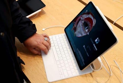 Apple develops iPad Pro with wireless charging