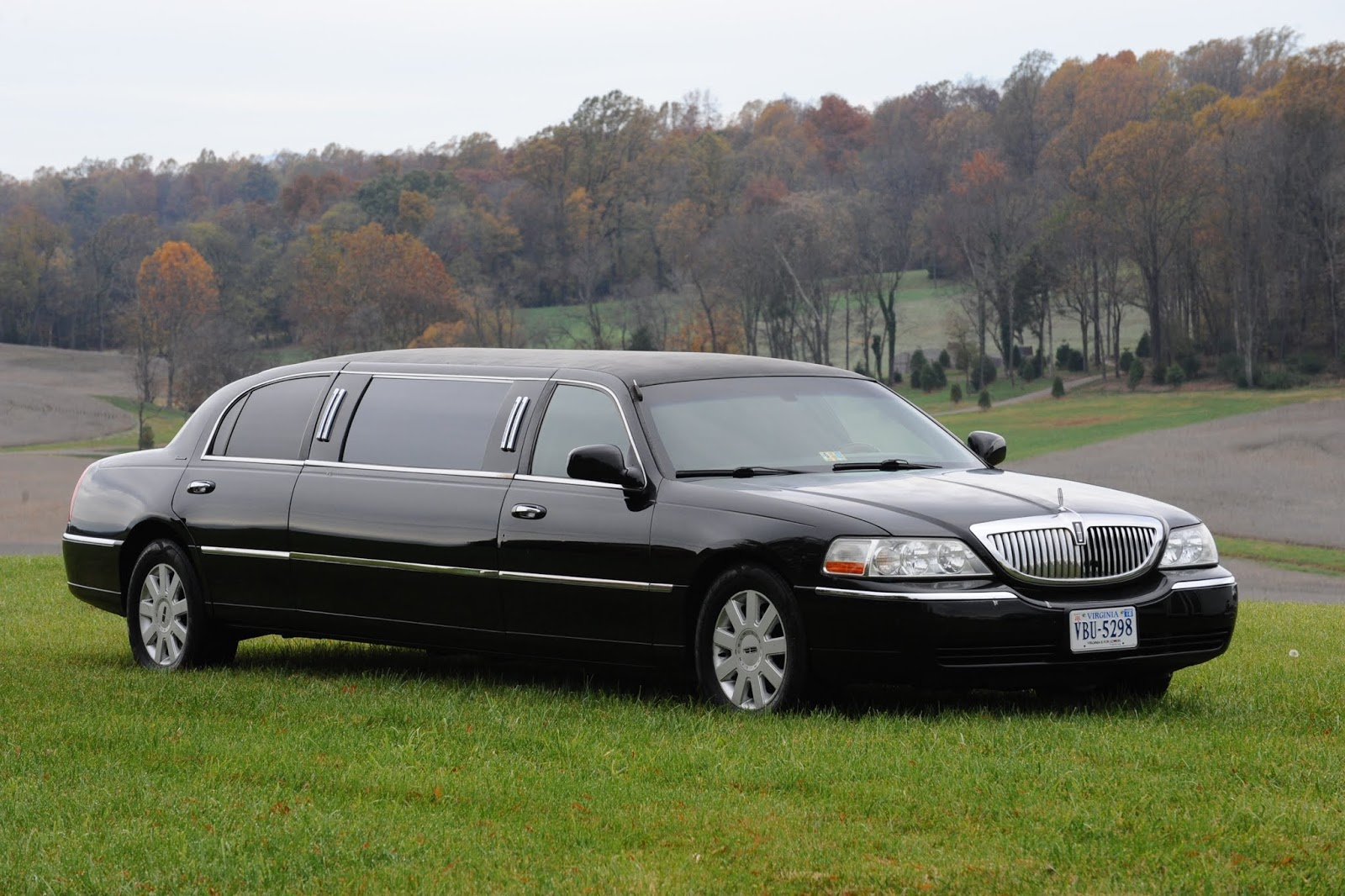 Image result for WHY SHOULD WE HIRE PROFESSIONAL LIMO SERVICE FOR CORPORATE CLIENTS
