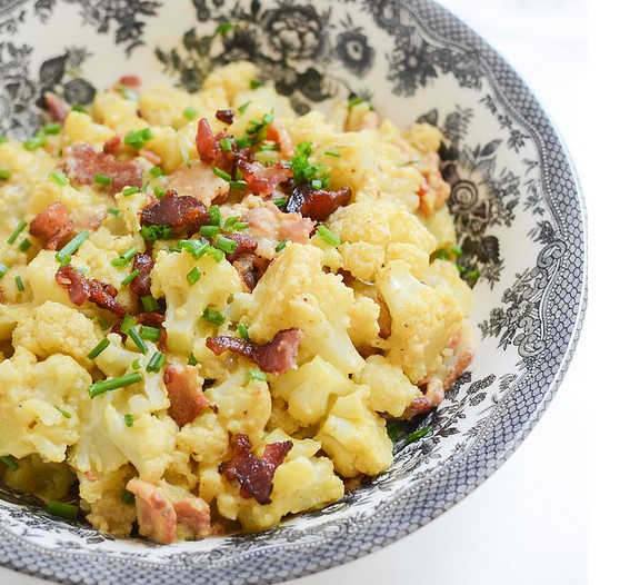 Loaded Cauliflower Mac And Cheese