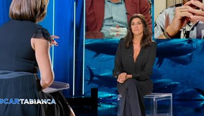 Elisa Isoardi completo nero abbigliamento cartabianca 21 settembre