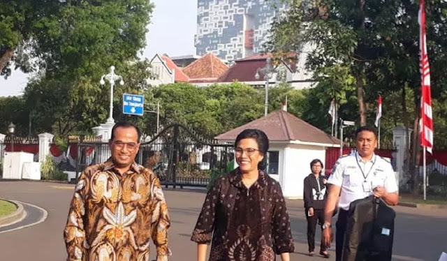 Jelang Diumumkan Kabinet Kerja jilid II, Calon Menteri Kompak Pakai Batik
