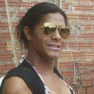 Travesti é assassinada dentro de casa em Caxias