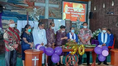 Paskah Bersama Jemaat GMIM Panggumaan, Kandouw Ingatkan Pentingnya Kualitas Iman