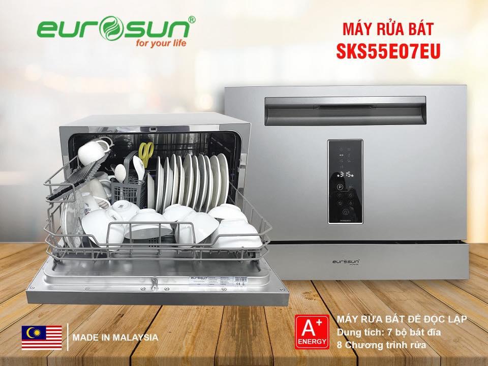 Máy rửa bát Eurosun SKS55E07EU được sản xuất trên tiêu chuẩn châu Âu, xuất xứ Malaysia