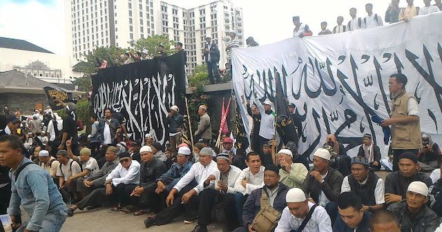 Yang Bertentangan dengan Pancasila itu Komunis, Bukan Ormas Islam yang Menyuarakan Khilafah
