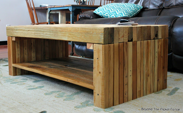 pallets, coffee table, reclaimed wood, salvaged, 2x4 furniture, http://bec4-beyondthepicketfence.blogspot.com/2016/02/building-lessons-pallet-coffee-table.html