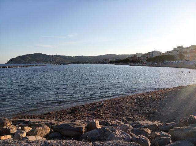 spiaggia libera San Bartolomeo al Mare