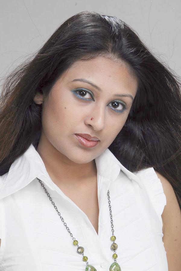 20 Photos of Kushum Shikder 6