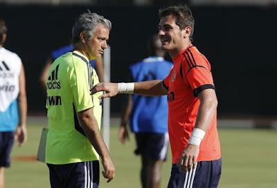 Iker Casillas bất ngờ trả thù thầy cũ Mourinho