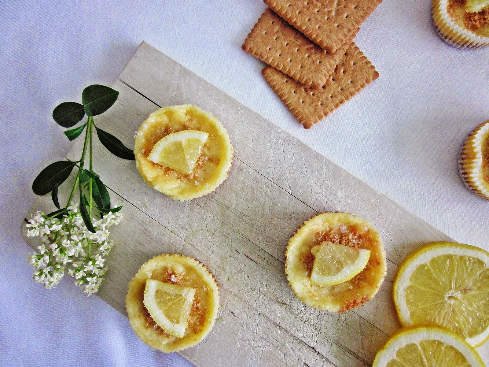 Zitronen-Cheesecakes von oben