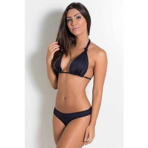 A modelo da foto está vestindo tamanho P. Medidas da modelo: 1,66 m de altura, 0,61 cm de cintura, 0,92 cm de quadril e 0,90 cm de busto