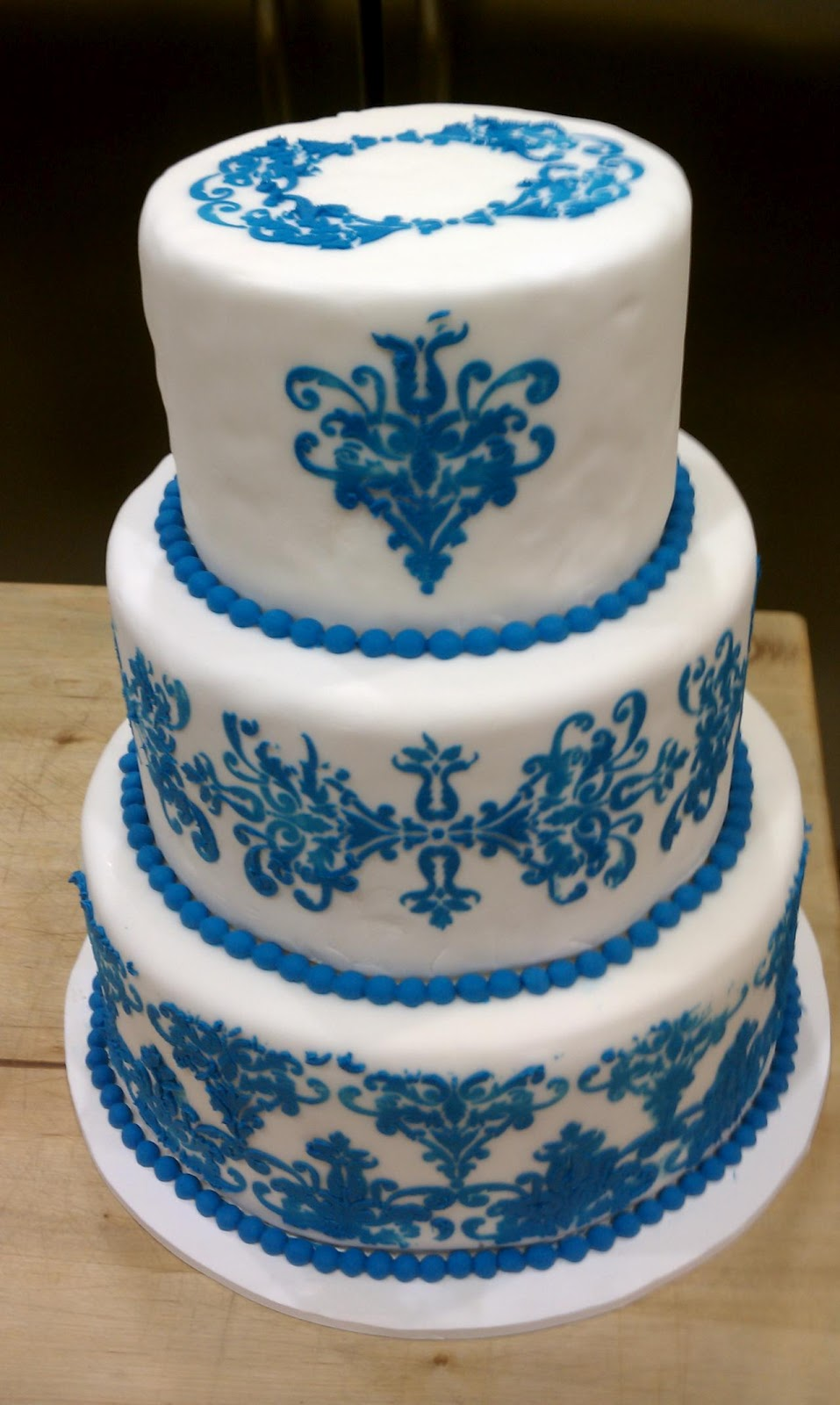 pictures of blue and white wedding cakes wedding cakes pictures blue and white wedding cakes 18393