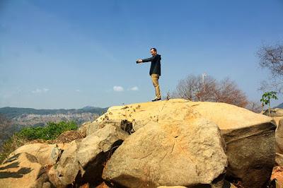 Selfie di atas puncak Taman Batu Gunung Karang