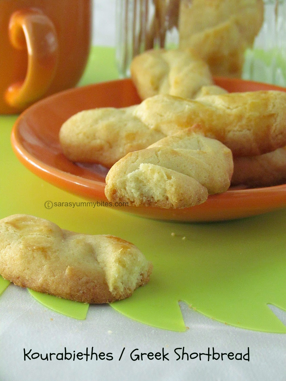 Kourabiethes / Greek Shortbread