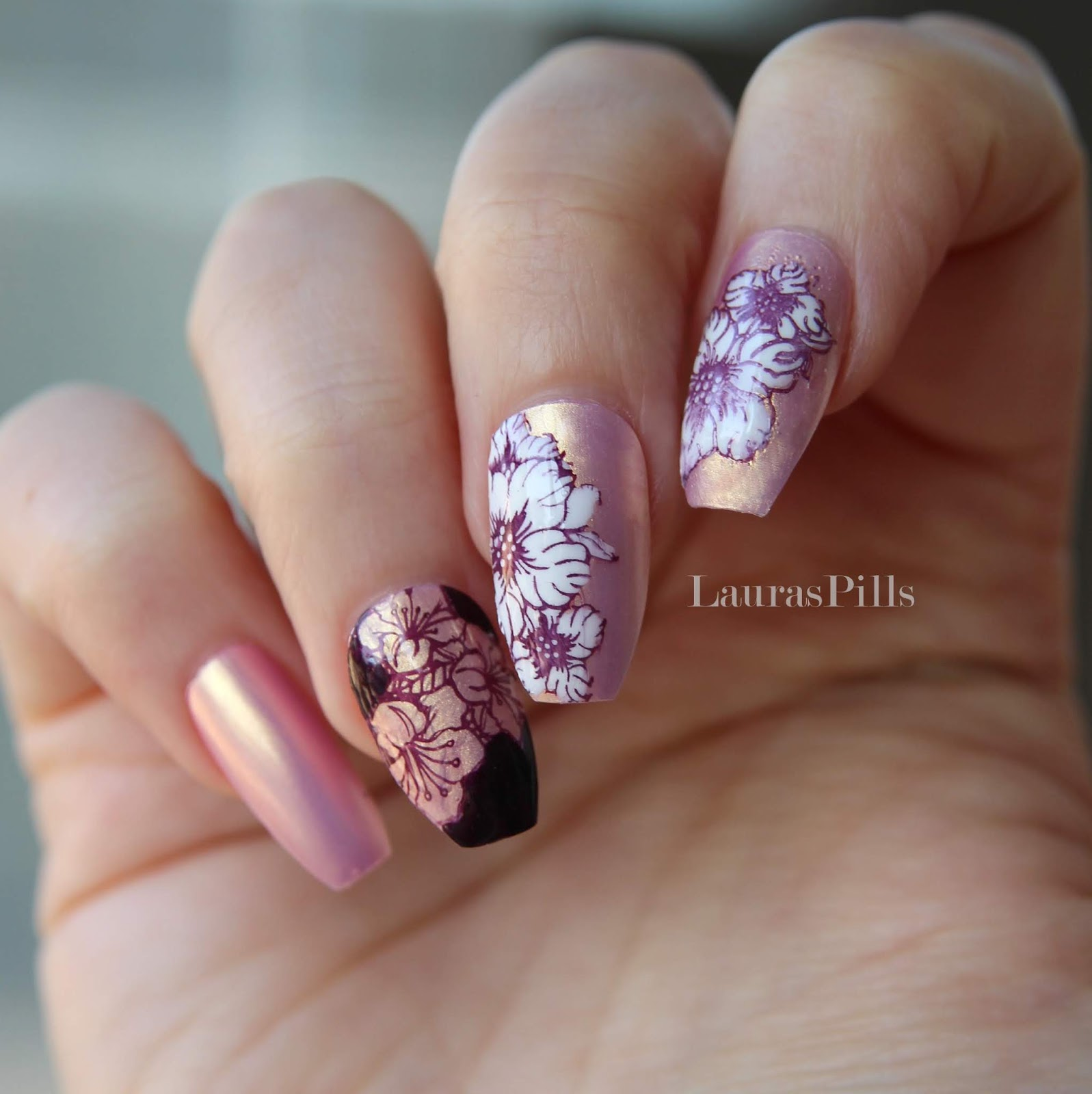 Lauras pills 2018 for the base colour i decided to use another product from beauty big bang a mermaid shell nail polish it is a beautiful pearlescent shade between pink izmirmasajfo