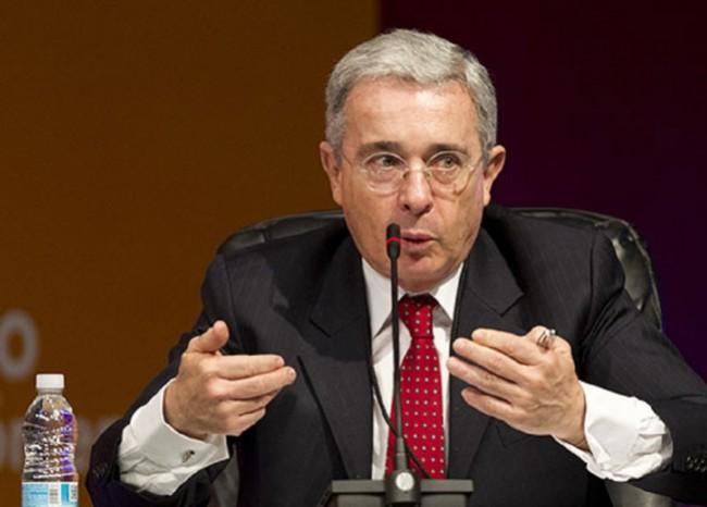 Uribe ahora dice que es el que no quiere distinción