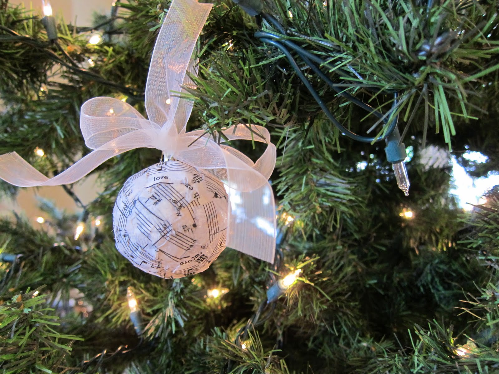 do it yourself divas: DIY: Musical Ornament