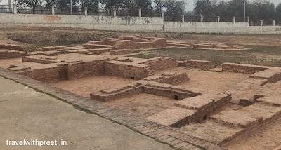 अशोक स्तंभ बौद्ध स्थल कौशाम्बी - Ashok Pillar Buddhist site Kaushambi