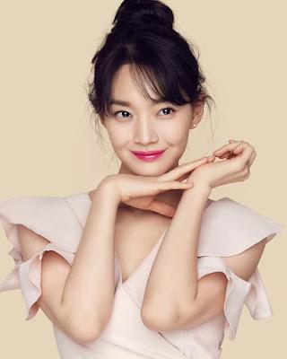 Shin Min Ah kulit indah dan seksi manis