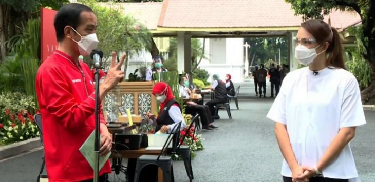 Jokowi Ditanya dr Reisa: Realisasi Vaksinasi Nakes kok Masih Rendah?