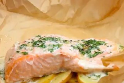 Parchment Garlic Butter Salmon