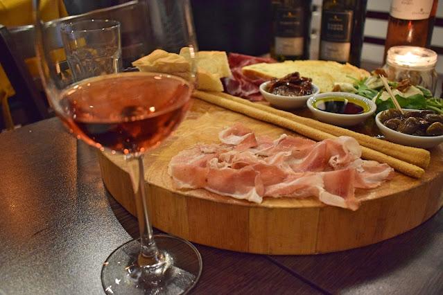 Italian wine tasting at Veeno Leeds Tasari Sryah with speck
