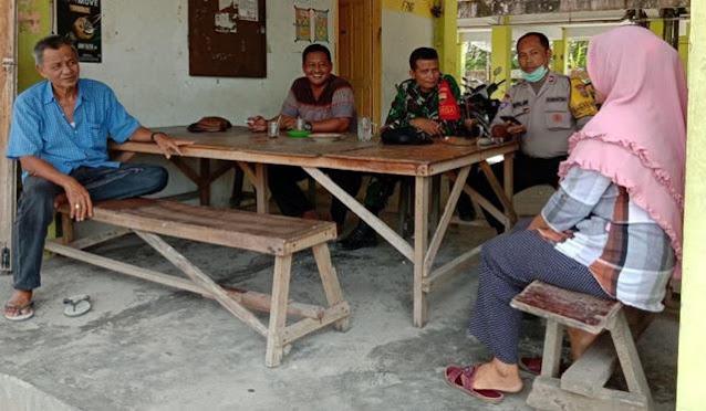 Bersama Dengan Warga Personel Jajaran Kodim 0207/Simalungun Laksanakan Komunikasi Sosial