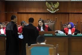 Gaji Hakim Benar Benar Menggiurkan Luar Biasa