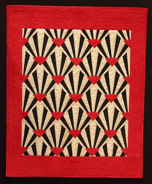 Art Deco style quilt by Josette Schnegg, quilting Paulette Capt