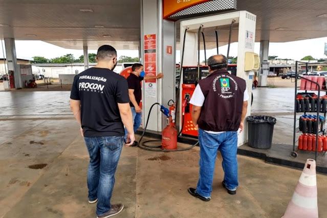Procon verifica medidas sanitárias em lojas e fiscaliza postos de combustíveis