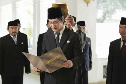 Image Result For Review Film Habibie Ainun