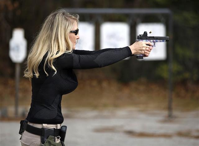 mulher armada