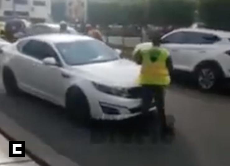 Video: 'Animal' al volante intenta atropellar agente DIGESETT