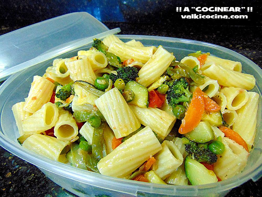 Pasta primavera tortiglioni con verduras salteadas y - Como hacer verduras salteadas ...