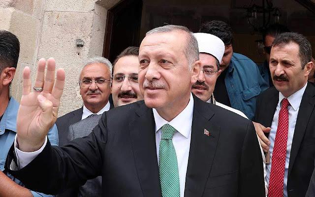 Ερντογάν: «Μας επιτίθενται οικονομικοί δολοφόνοι»