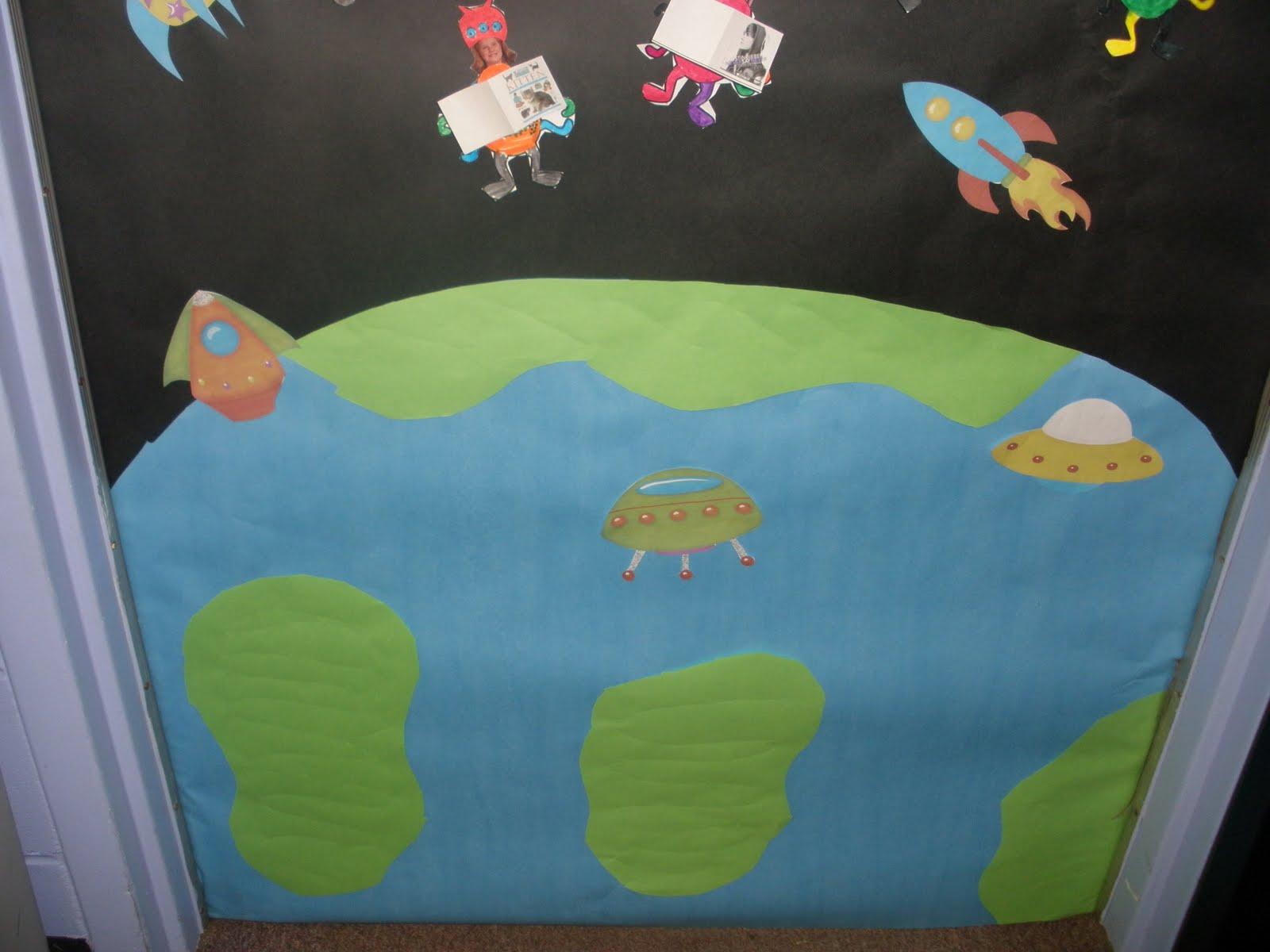 Second Grade Rocks!: Book Fair Door Decorating Contest