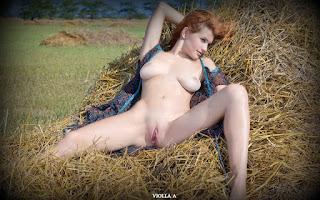 年轻的女孩们 - Sexy Naked Girl Violla A - 2