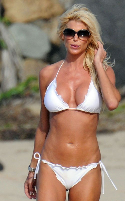 Hollywood Actresses Victoria Silvstedt In Hot Bikini